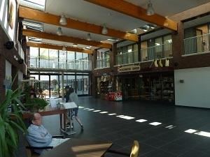 洒落たレストランから趣味の部屋まで<br />まるでテーマパーク!オランダの「認知症の街」