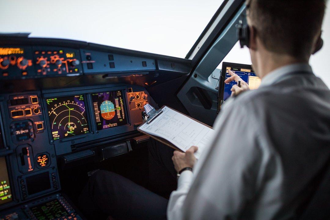副操縦士よりも機長の方が墜落事故を起こしやすい意外な理由とは?