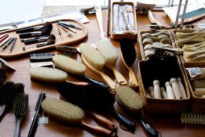 永く使える国産の刷毛・ブラシは高いか、安いか<br />日本の遺産を支える「ブラシ」職人のこだわり