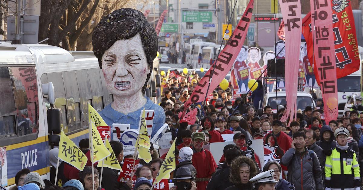大統領弾劾で韓国の政治経済、慰安婦、対北朝鮮問題はこうなる