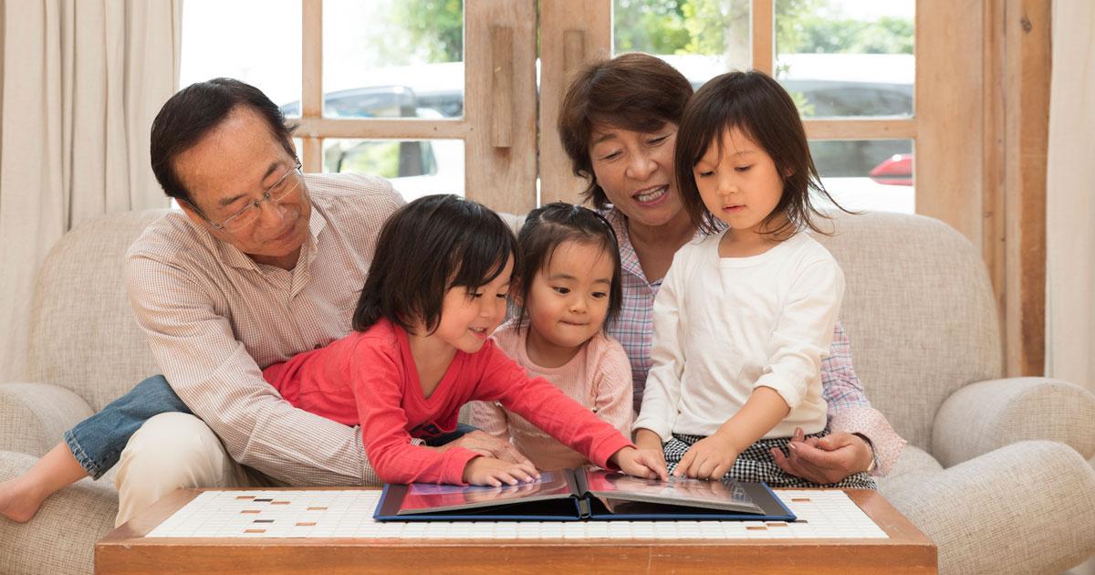 写真をアルバムにすると、家族関係に好影響を与える!?