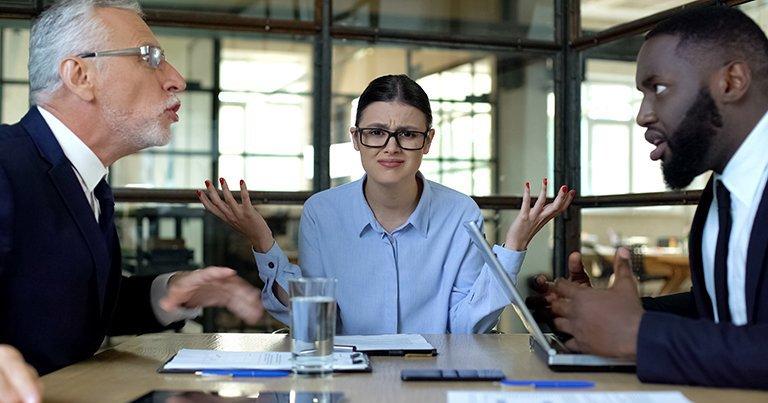 会議で女が「壁際」に座る会社は成長しない
