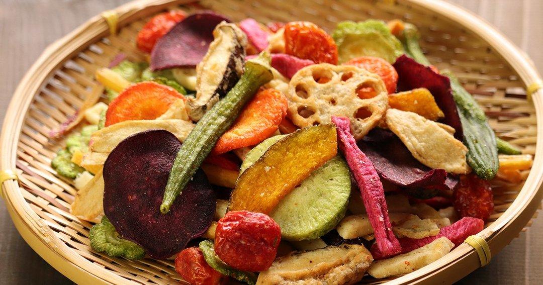 ステンレスハンガーや野菜チップスなど、自社ブランド品をネット販売して高評価