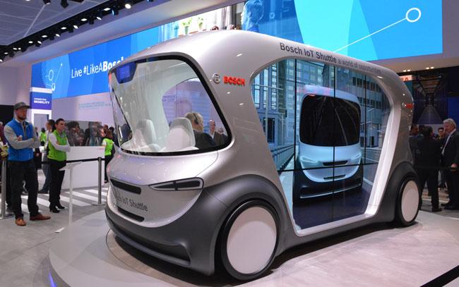 CES2019」では箱型EVによる展示が目立った。ボッシュの展示。