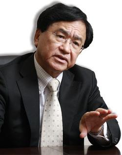 三菱ケミカルホールディングス社長 小林喜光<br />米国産シェール製品は脅威<br />構造転換こそが生き残る道