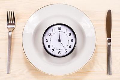 食事の理想的な時間帯とは?