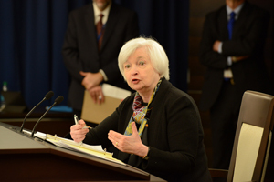 "FOMC""慎重過ぎる姿勢""は追加利上げへの布石"