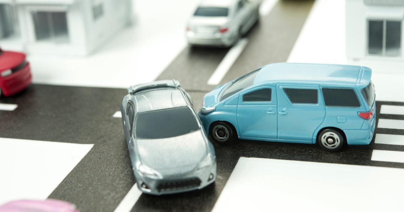 松本走り、山梨ルール、伊予の早曲がり…交差点内での危ない「ご当地運転ルール」