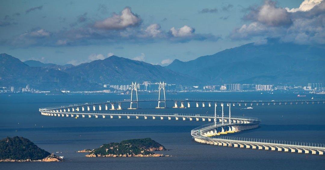 中国「世界最長の海上大橋」が期待外れの閑散ぶり、背景にあるしがらみとは