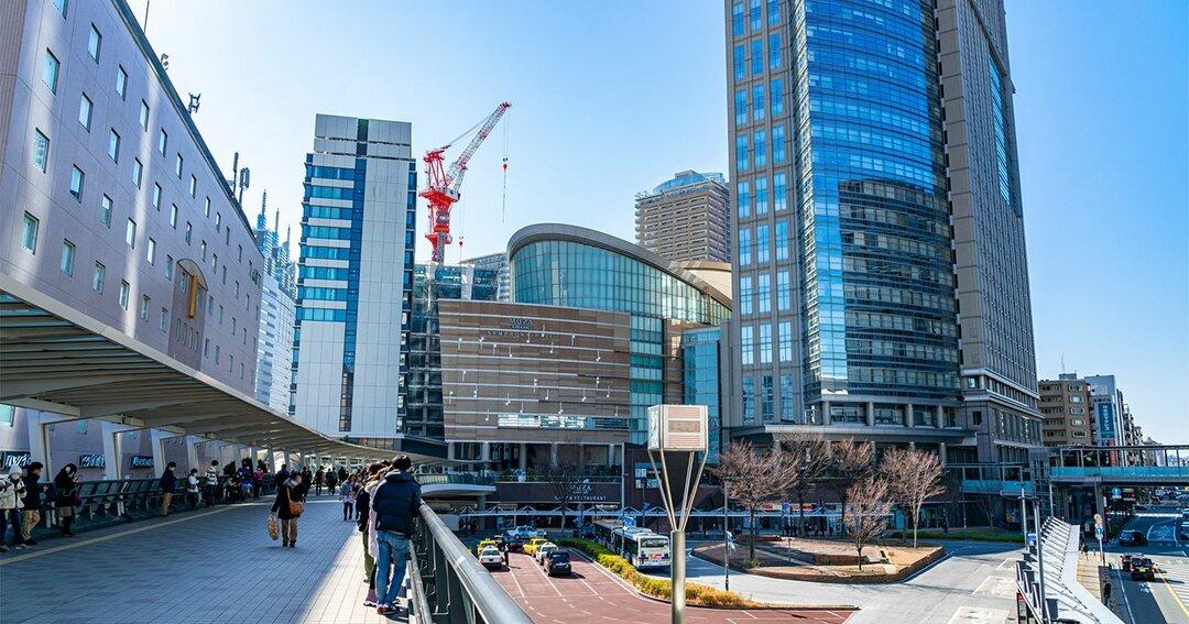 再開発が進む川崎駅前の風景