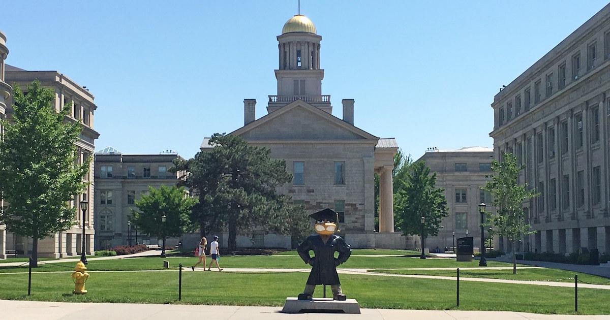 中国人学生狙う「不正」請負業者、米大学で横行