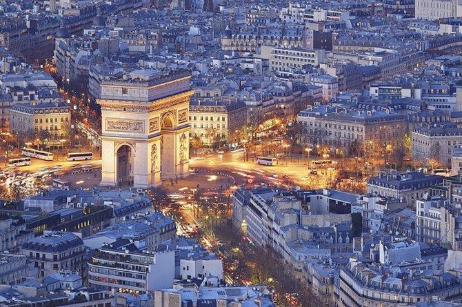 フランス栄光の象徴「凱旋門」の歩き方、パリ観光の起点にも! | 地球 ...