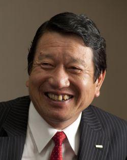 NTTドコモ 山田隆持社長インタビュー<br />「3.9Gの開発は需要急増に合わせ<br />5年の投資計画を3年に前倒しする」