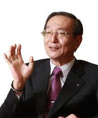 NTT(日本電信電話)社長 鵜浦博夫 <br />BtoBビジネスへと転換し<br />企業を支える「黒子」になる