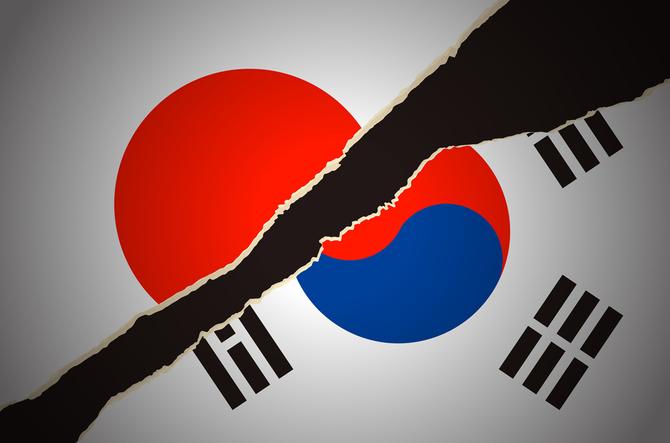 が 韓国 日本 と 起き てる 何
