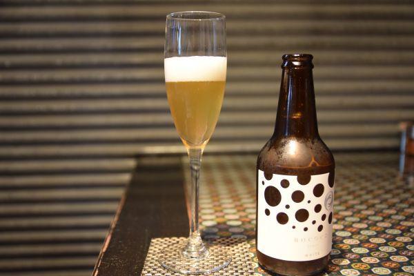 グラスに注いだ「Rococo Tokyo White」