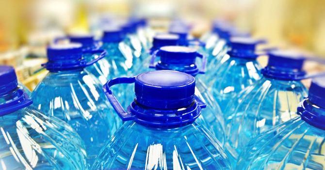 中国の飽くなき「天然水」需要、海外で反発も