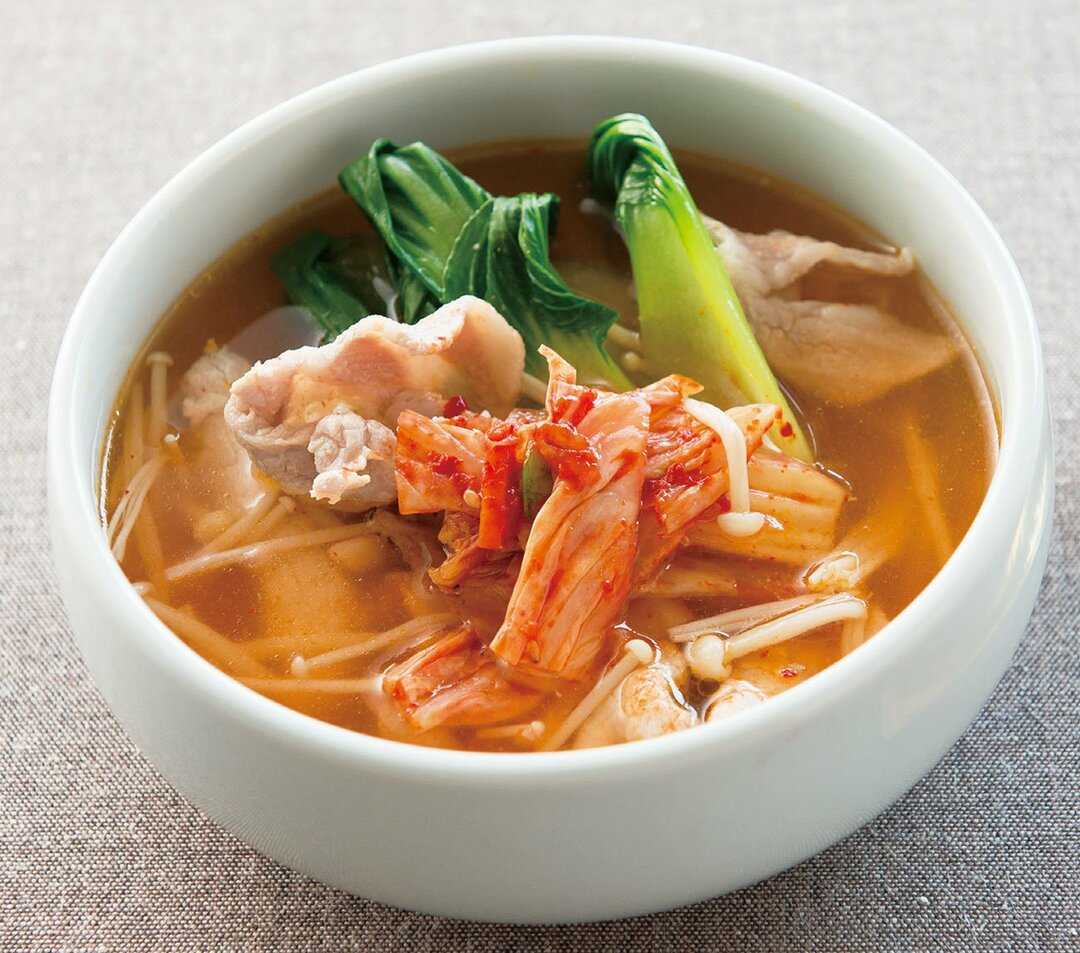 腸に善玉菌を増やし、<br />若返りも見込める<br />キムチの長寿スープとは?
