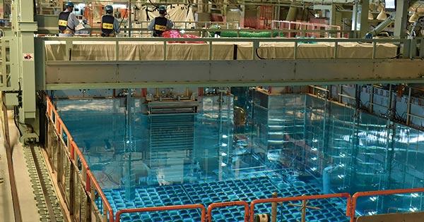 """「核のゴミ」処理で窮地の関電、東電・原電の施設に""""相乗り""""浮上"""