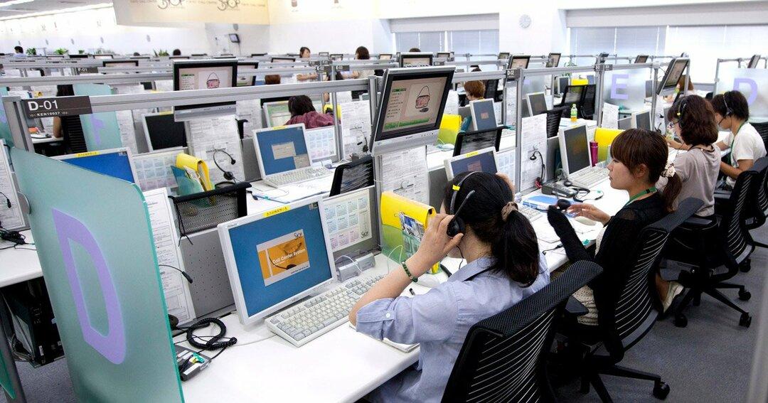 コールセンターの「極限3密」苛酷実態、非正規雇用の不安が追い打ち