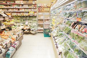 原材料価格軒並み下落でも、食品の値段が上がるのはなぜか