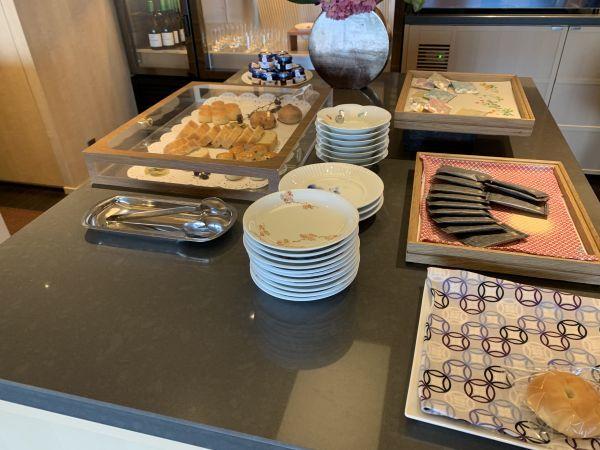 「ザ・キャピトルホテル東急」のクラブフロアのお菓子