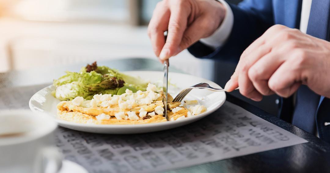 デキる男の体調管理は食事も「仕事脳」で考えていた