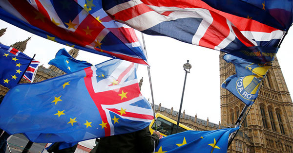 EU離脱案、英下院否決ならメイ政権はどう動くか