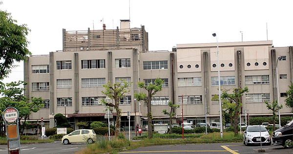築47年の近江八幡市庁舎