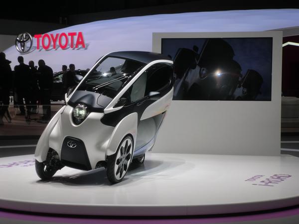 驚異の三輪車・トヨタの超小型モビリティ「i-ROAD」<br />発表現地ジュネーブで開発責任者に聞く