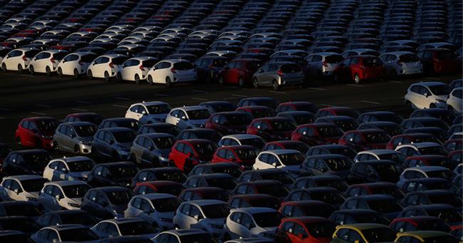 日本経済の「輸出けん引」失速へ、問われるリスク対応力