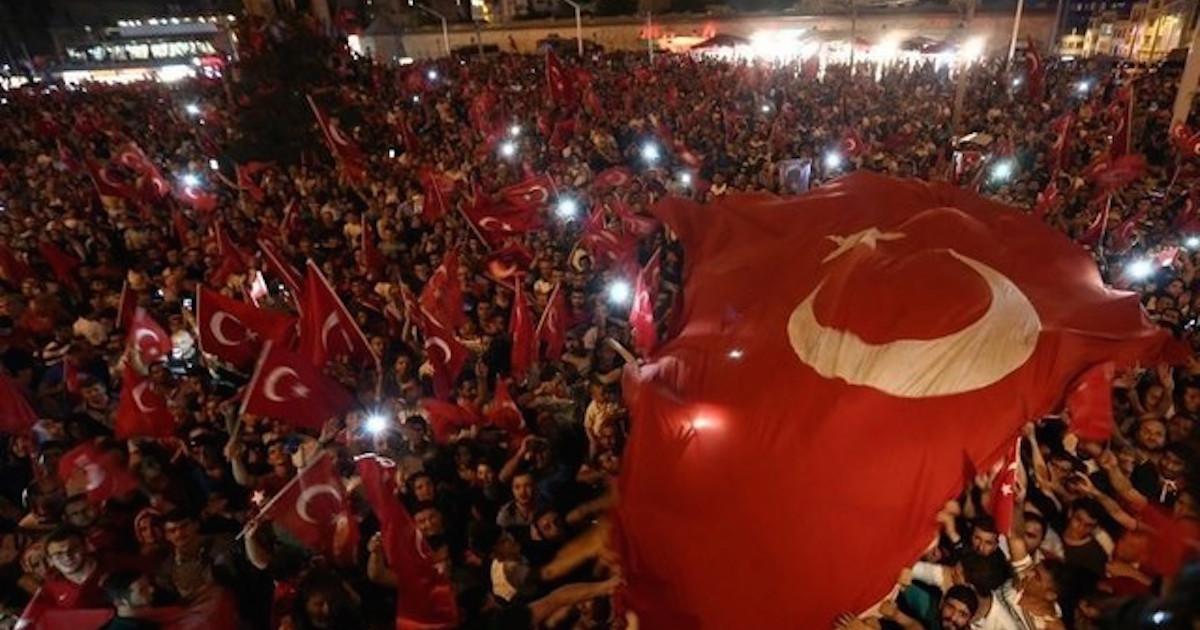 トルコのクーデター未遂、米ケリー長官「米関与説は完全な誤り」