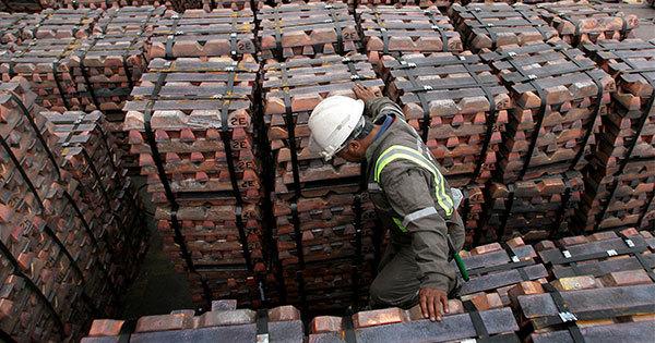アジアに輸出される銅の積荷