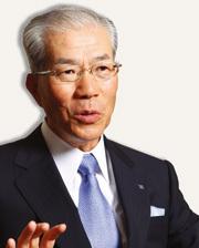 日本製紙グループ本社社長  芳賀義雄