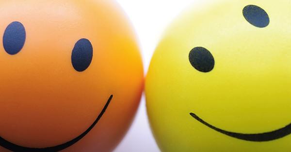 9割の人が笑顔でソンしている!?「いい笑顔」「ソンな笑顔」を、写真で初公開!!