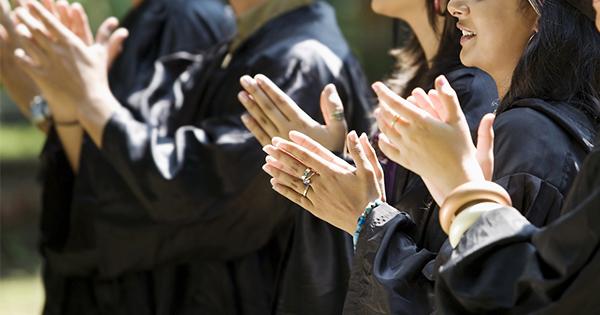 260万回超再生され世界中に拡散した卒業式のスピーチとは?