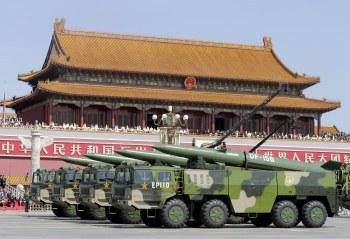 中国軍事費の伸び率低下に込められたメッセージを読む