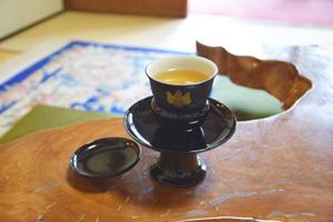 圓徳院の茶器には、豊臣家の家紋が描かれていた