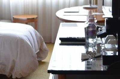 ウェスティン都ホテル京都に用意されていたミネラルウォーター