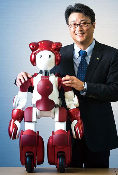 日立の人型ロボット、技術の象徴から「商品」へ脱皮した3代目