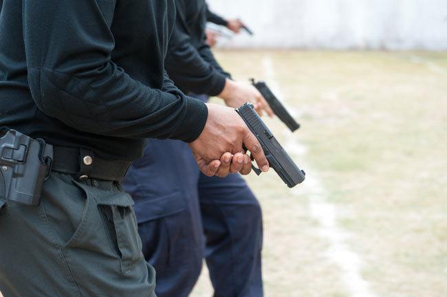 今回、巡査が紛失したのは、回転式より実戦的な「自動式(オートマチック)」だったとされる