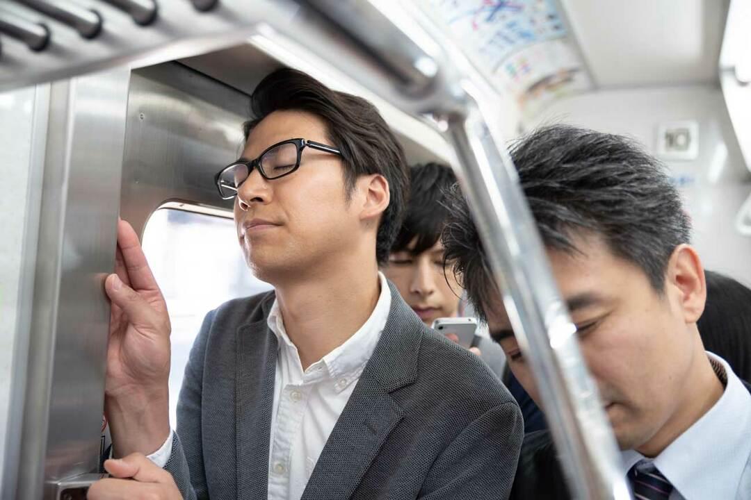 電車内は人間性があらわになりやすい場所です。