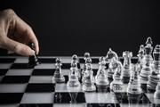 幅広い戦略アイデアを出せる人は「狭く、狭く、狭く」考えている