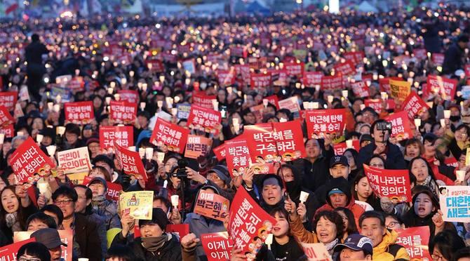 韓国で起きたローソク革命