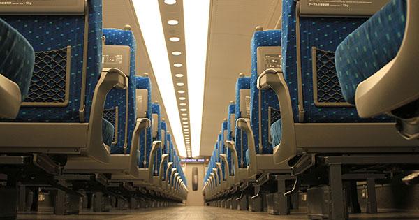 新幹線の自由席に座る人がお金持ちになれない理由