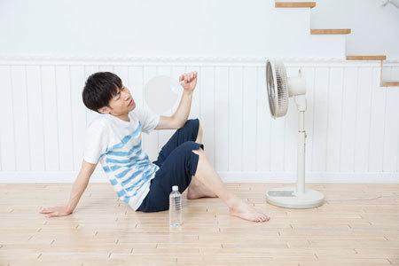 エアコン以前に、建物の断熱性能に問題があります。