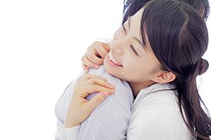 結婚しているのに妻には婚約者が!<br />さらに100万円をだまし取られた夫は…(上)