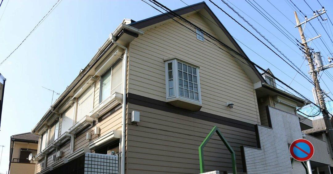 当時、9人の男女が遺体で見つかり、殺人などの容疑で逮捕された白石隆浩容疑者が住んでいたアパート(2018年4月25日撮影、神奈川県座間市)