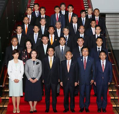 内閣改造人事が暗示する「成長戦略不発」と「女性首相」