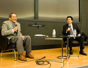 樋口泰行氏(右)と米倉誠一郎氏(左)